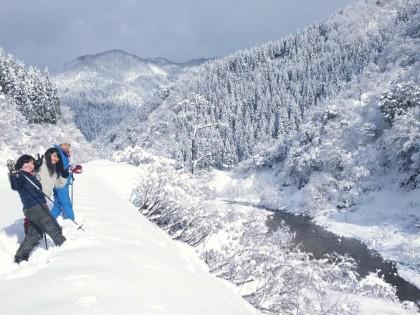秘湯の小川温泉 せせらぎと雪の森スノーシューピクニック♪